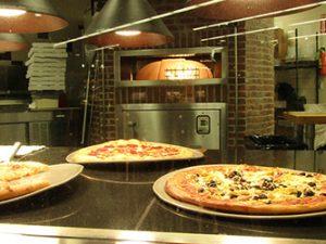 chucks-pizza-mill-plain250